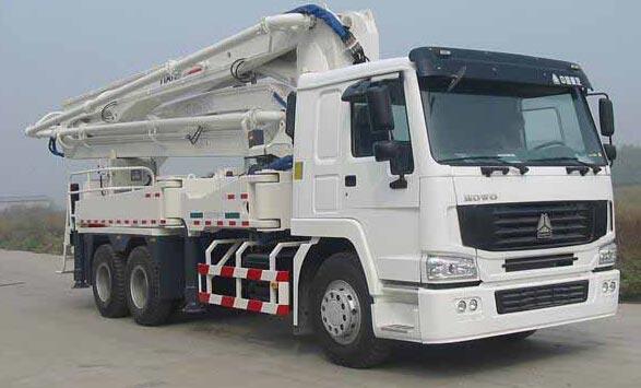 truck mounted concrete pump
