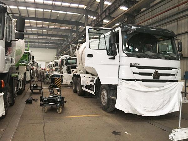 ready mix concrete truck manufacturers